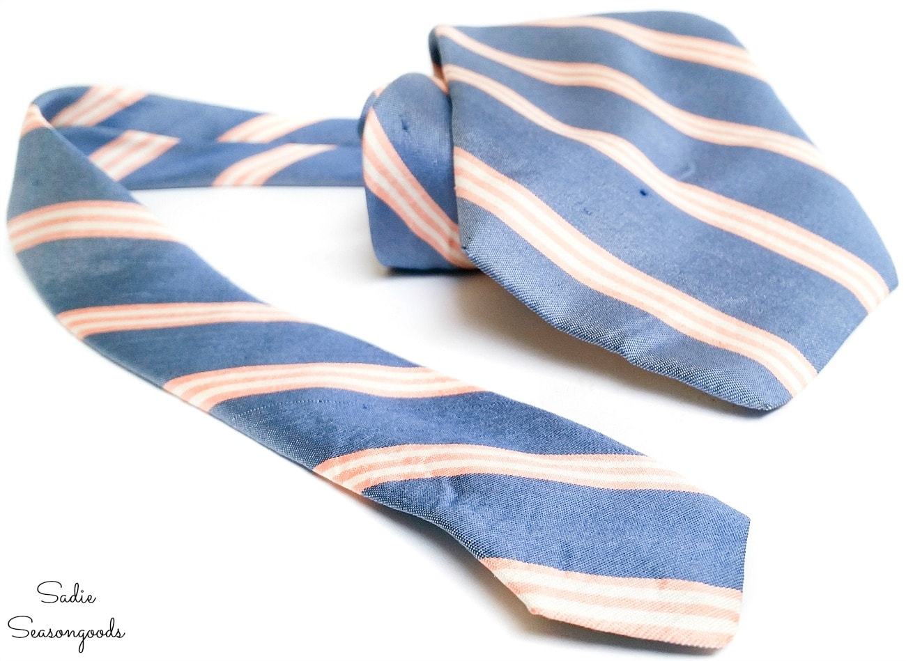Necktie to use on a wine gift bag