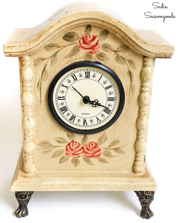 Decorative desk clock