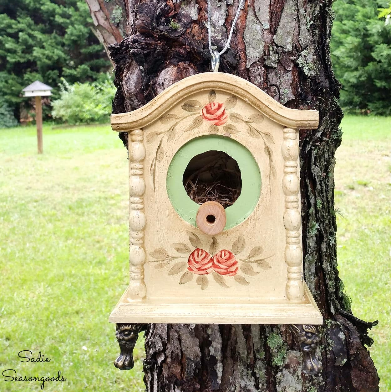 Upcycled Birdhouse from a Decorative Table Clock
