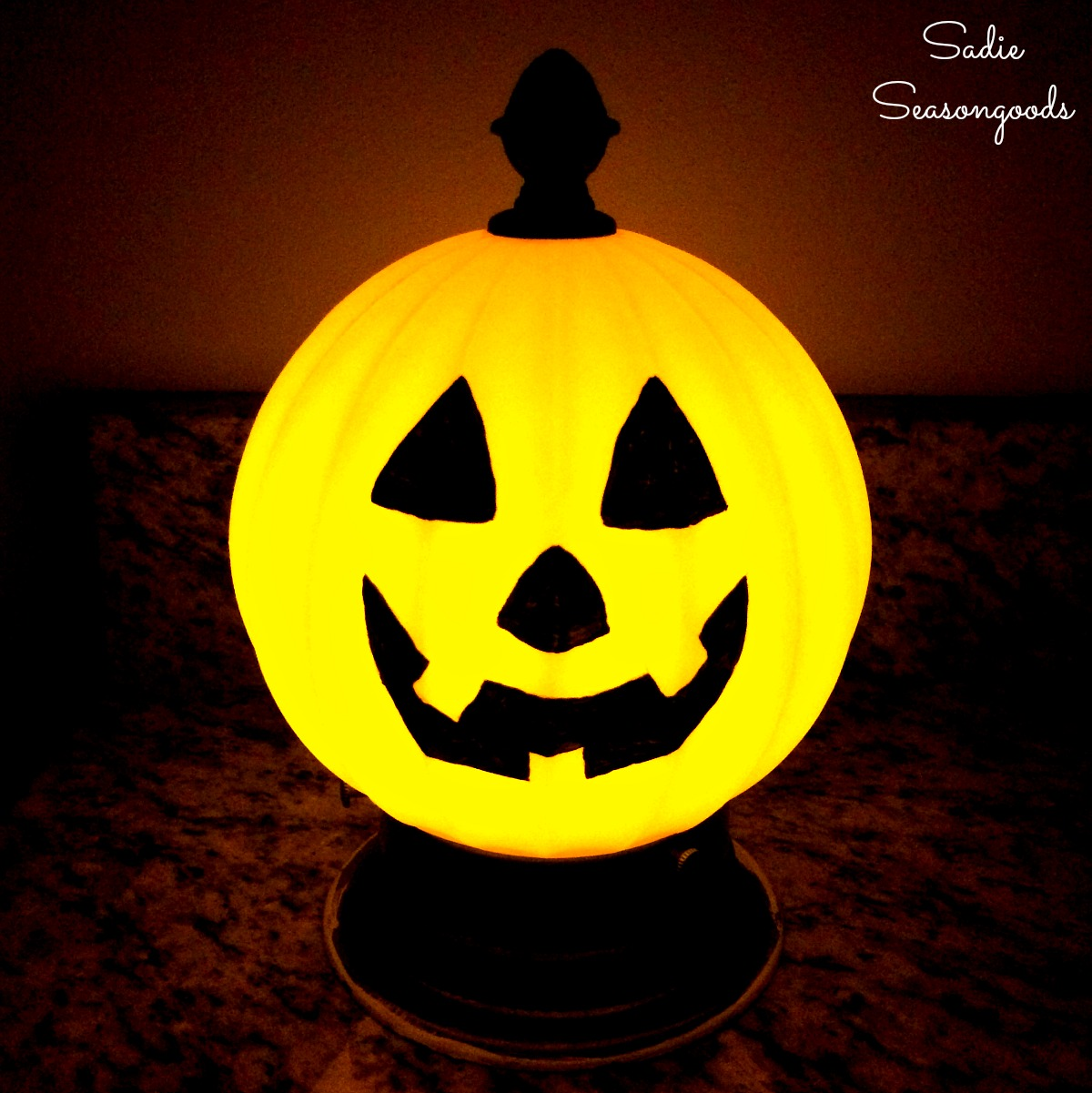 Light Up Pumpkin and Jack-o-Lantern Light for Halloween