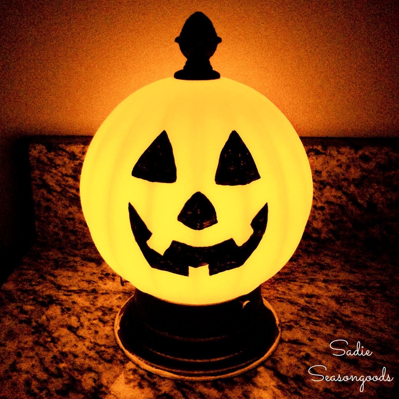Light Up Pumpkin Jack-o-Lantern