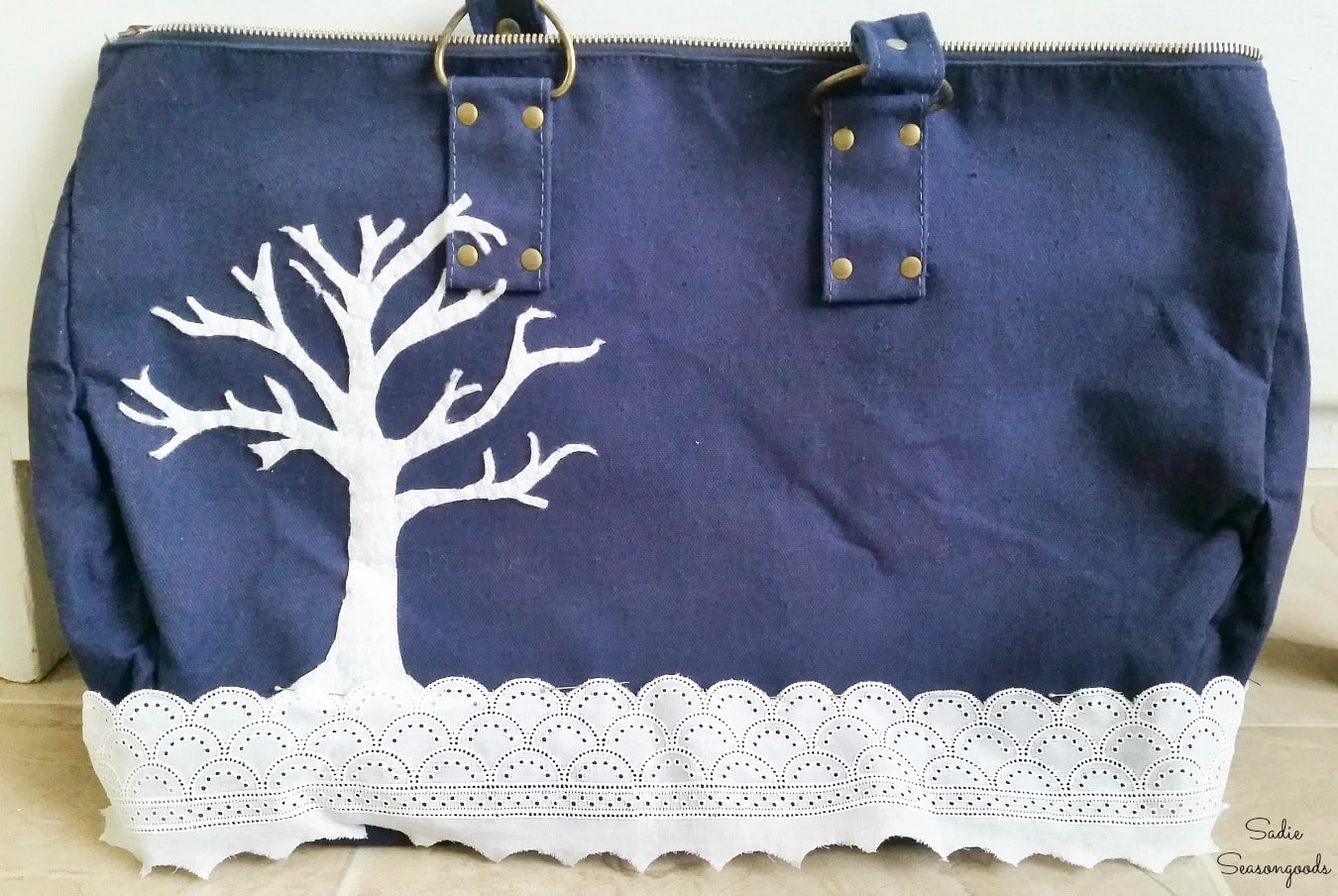 Creating a beautiful winter scene with eyelet trim