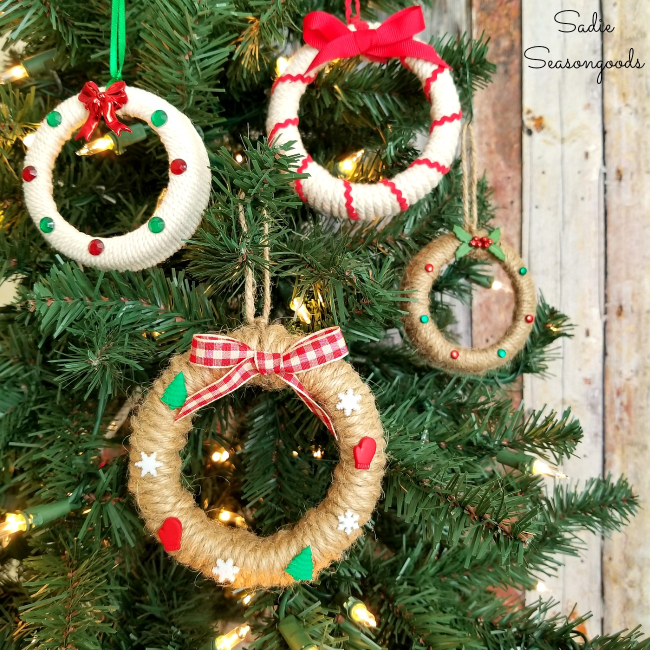 Diy Mason Jar Lid Wreath Ornaments For A Rustic Farmhouse Christmas