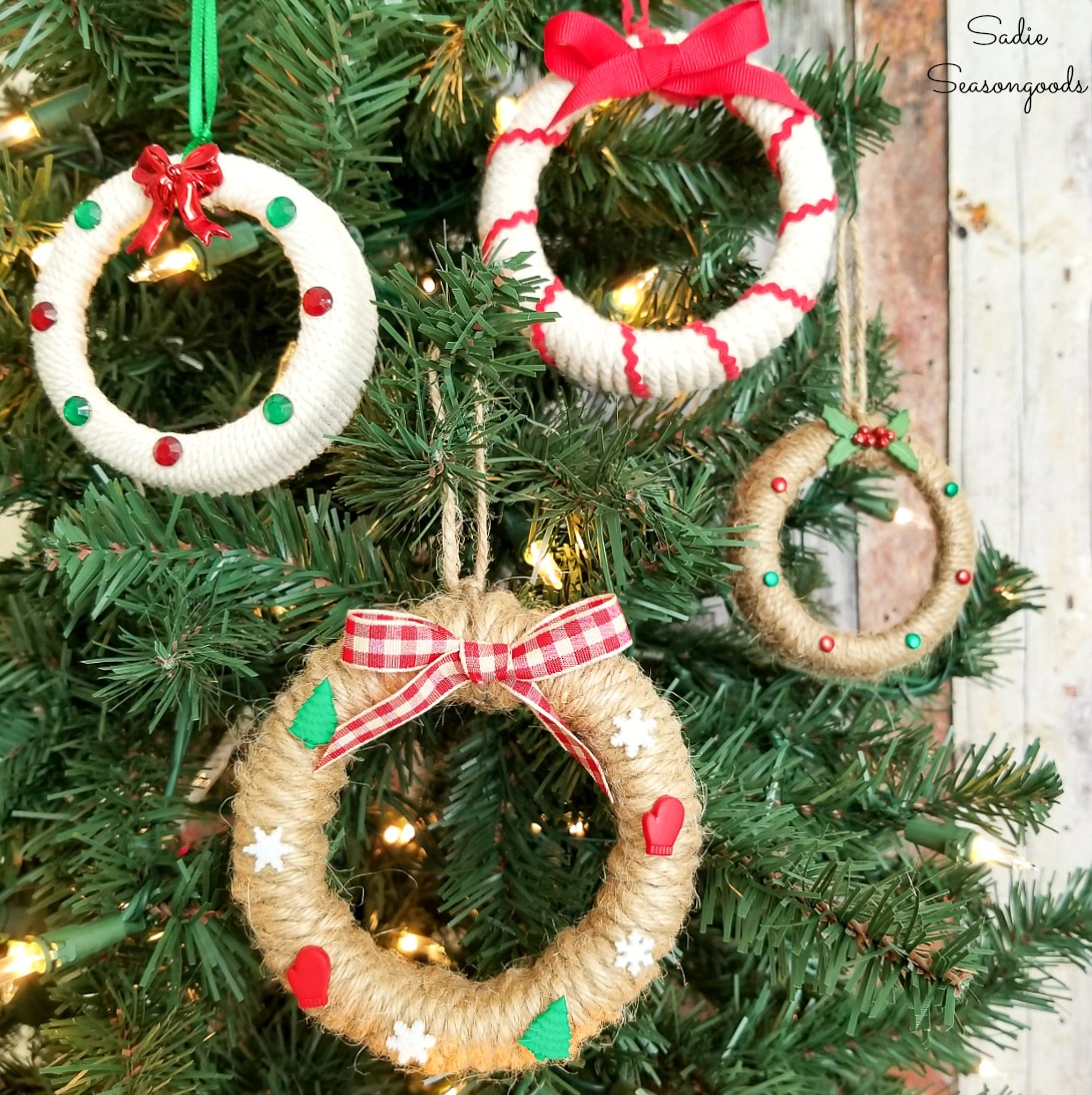 Rustic Christmas Wreath Diy.Rustic Christmas Ornaments With Mason Jar Lids From Ball