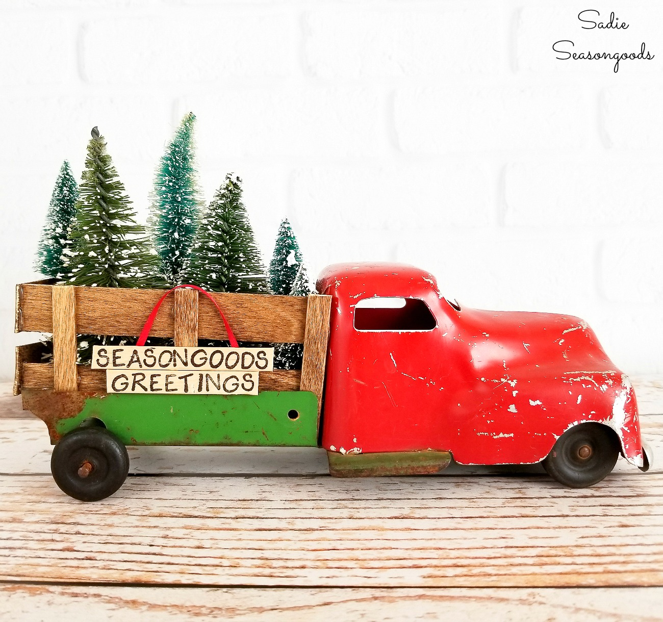 Red Truck Decor for Christmas with the Help of Popsicle Sticks!