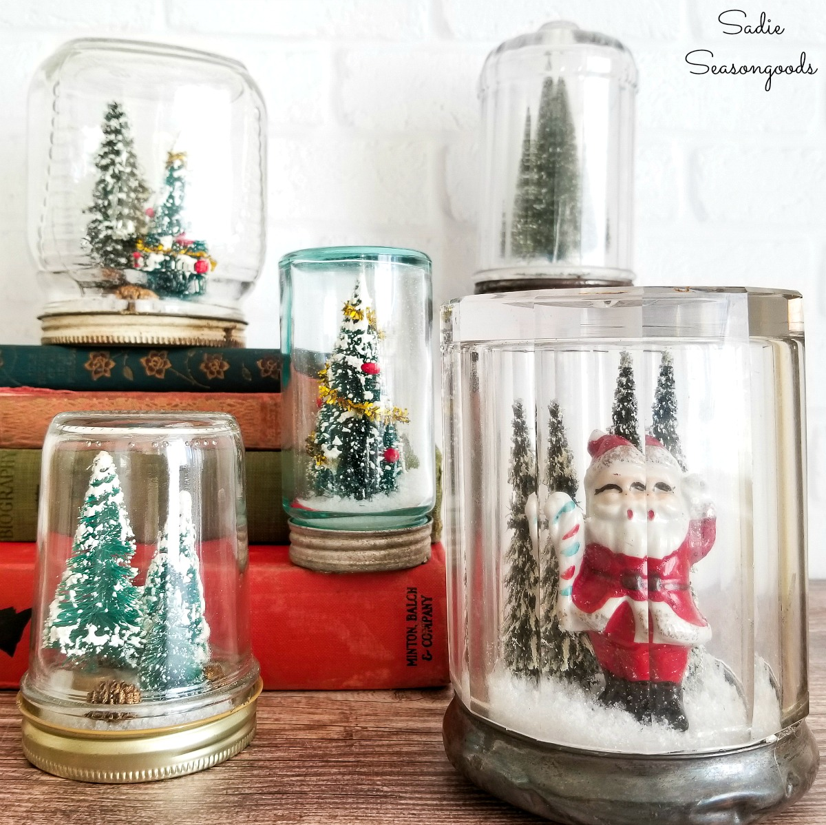 Christmas Snowglobes In Glass Jars With Vintage Christmas