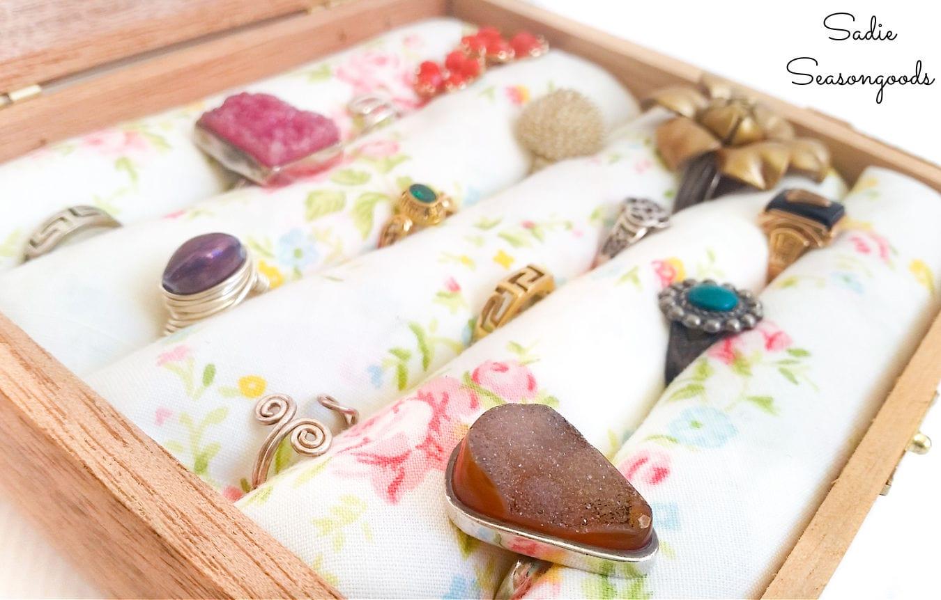 jewelry box ring holder