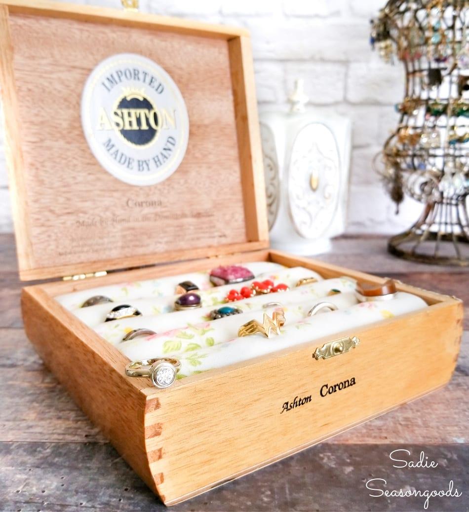 ring holder box