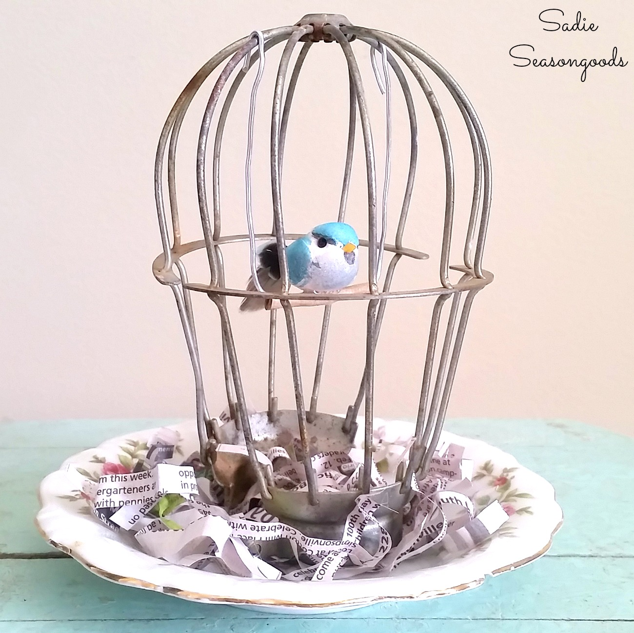 Birdcage Decor from a Light Cage / Industrial Light