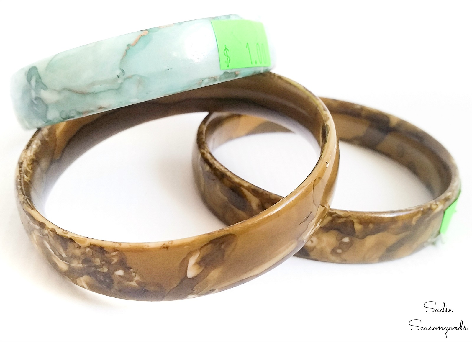 Plastic bangles to be wrapped with fabric from vintage sheets