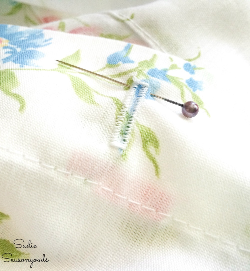 How to make buttonholes for shower curtain rings