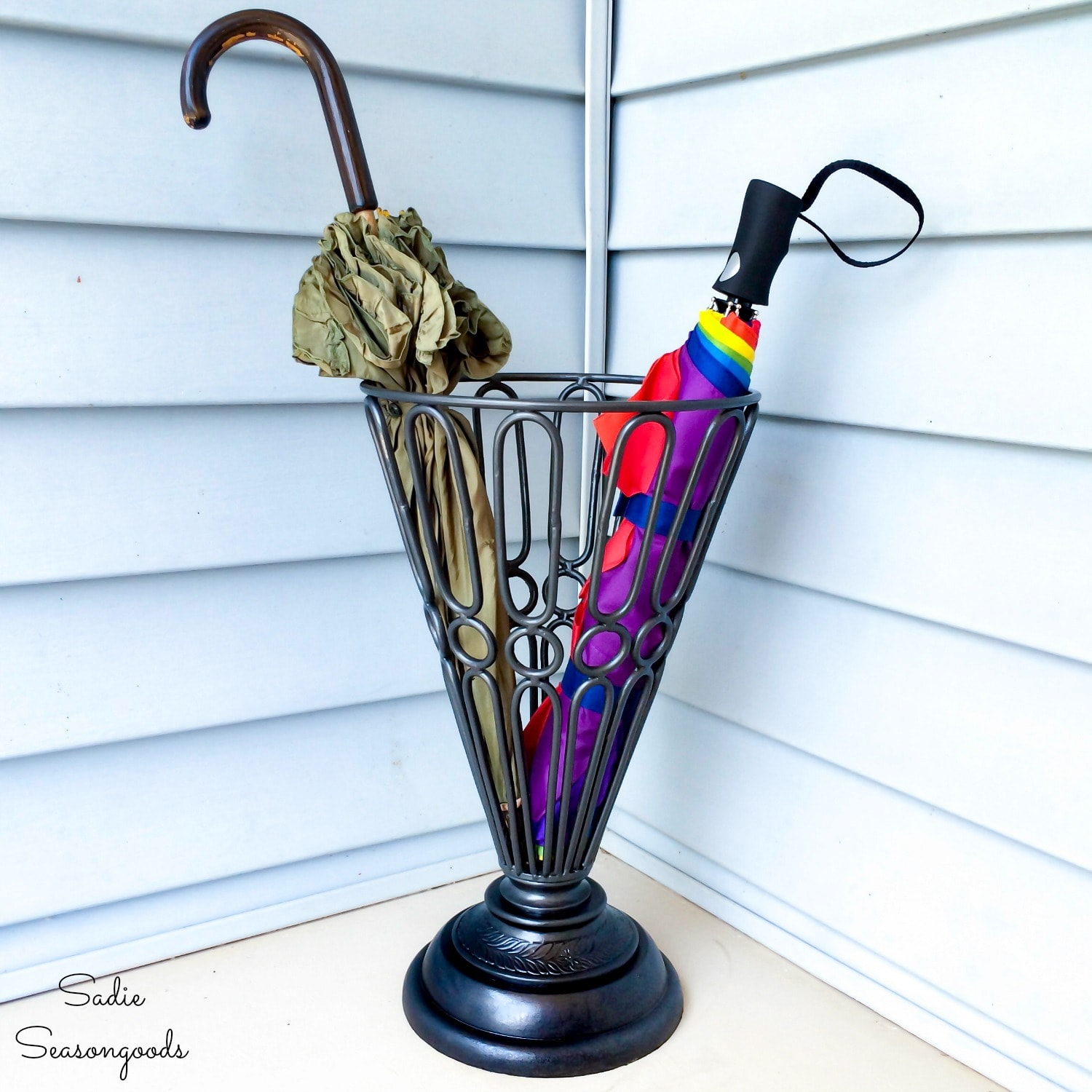 Cast Iron Umbrella Stand by Upcycling a Garden Urn