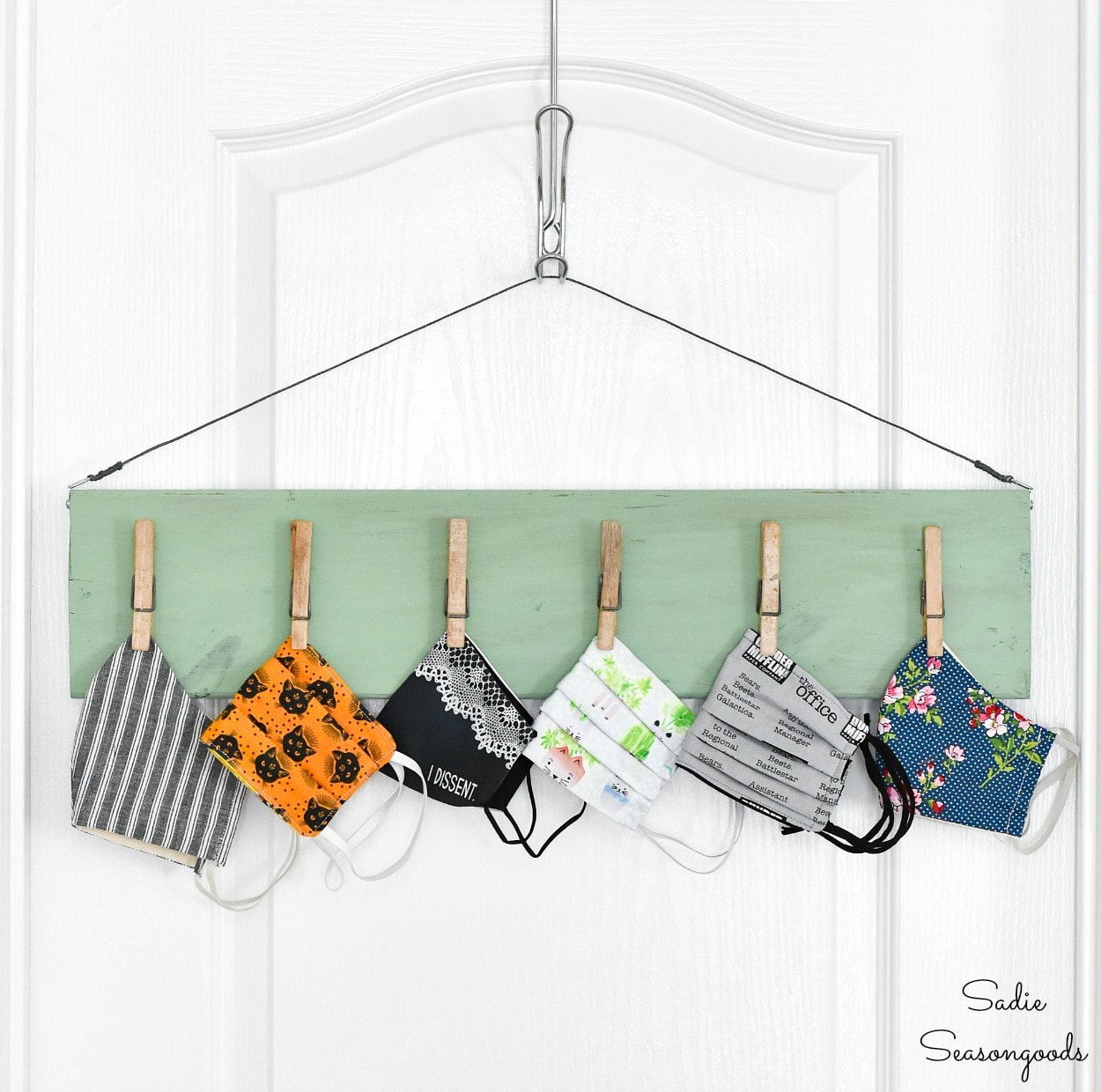 Mask organizer or face mask storage for the front door