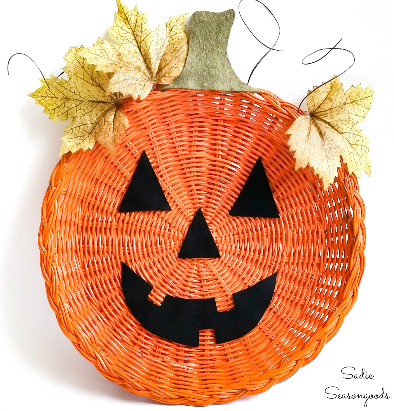 Halloween Door Hanger from a Wicker Paper Plate Holder