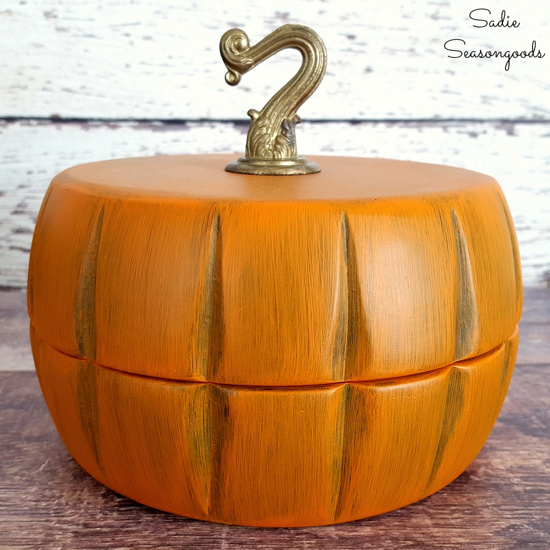 Trinket Box and Farmhouse Fall Decor from Wooden Salad Bowls