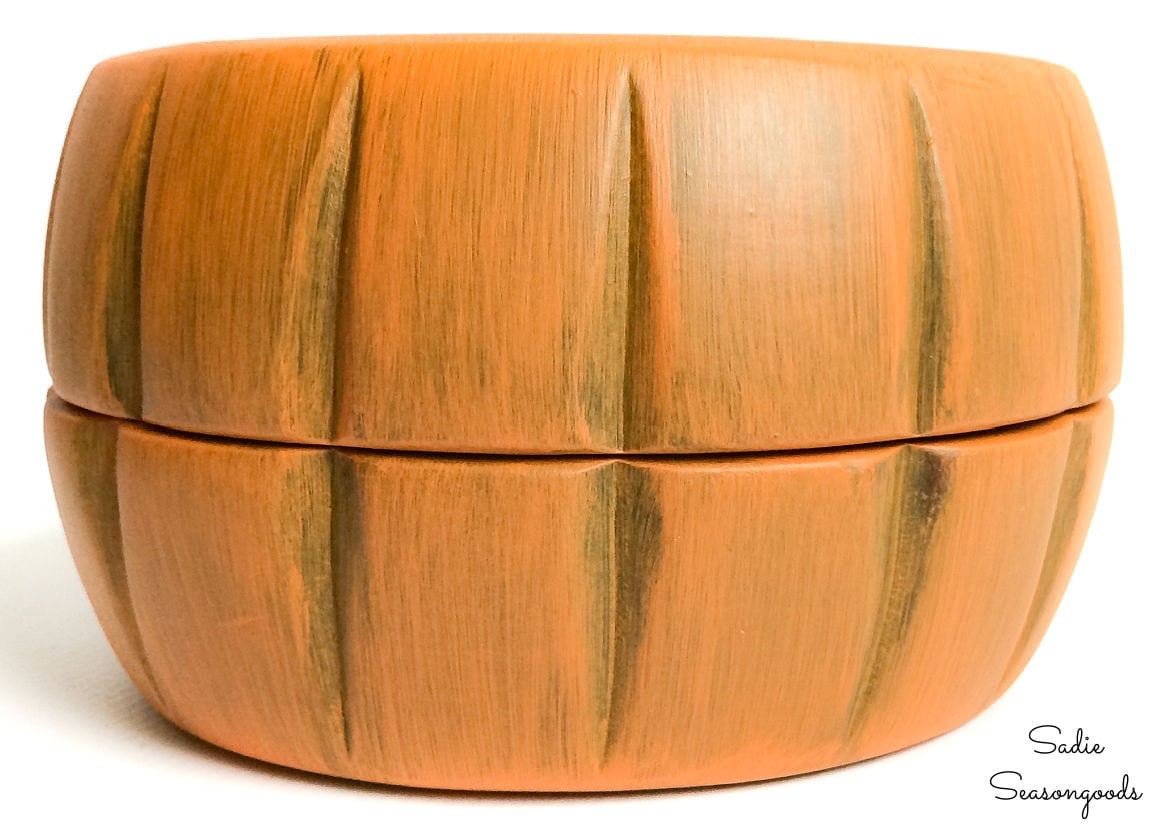 making a wooden trinket box from salad bowls