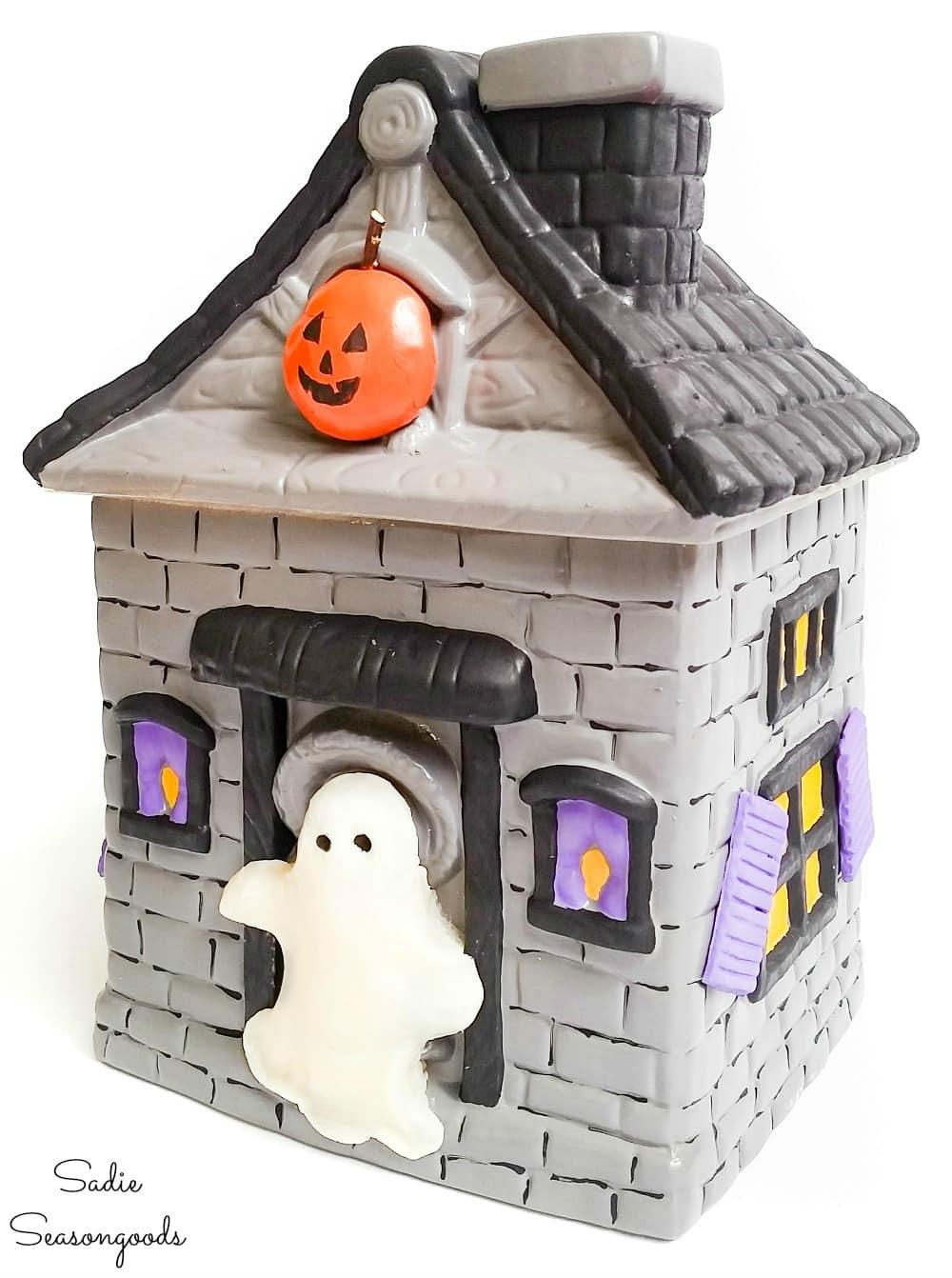 Halloween cookie jar or haunted house cookie jar
