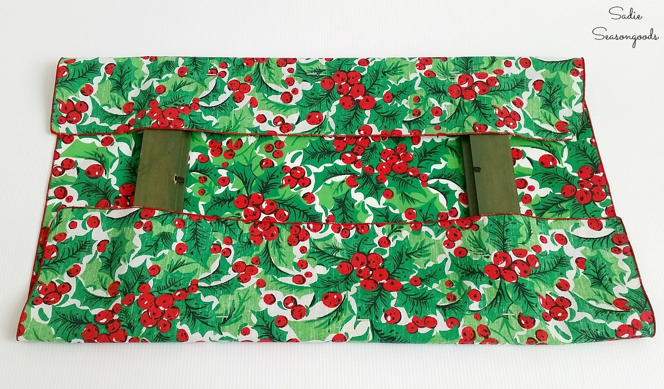 Wrapping a wooden frame with the Christmas placemats or Christmas fabric by Sadie Seasongoods