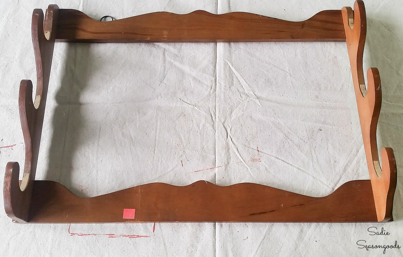 Wooden gun rack for upcycling as a fabric organizer
