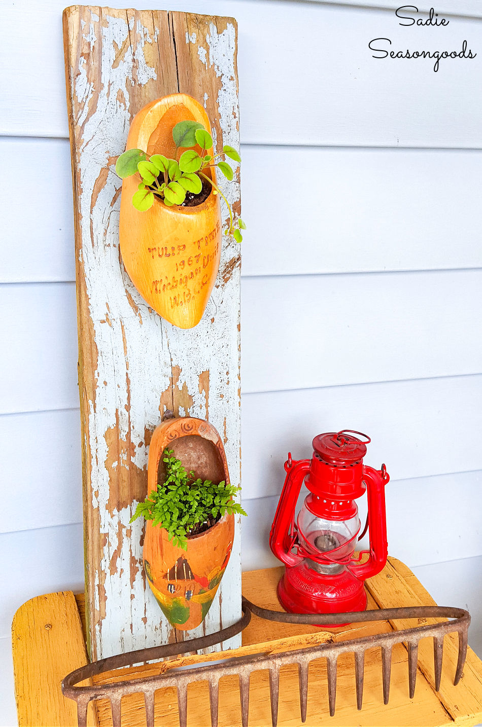 Upcycling shoes as hanging porch planters