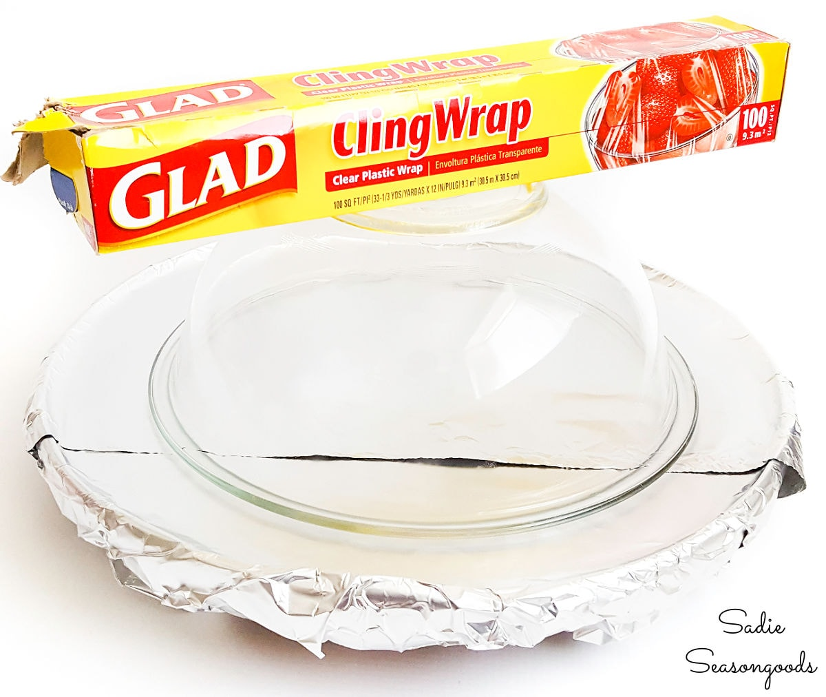 Covering a bowl in cling wrap