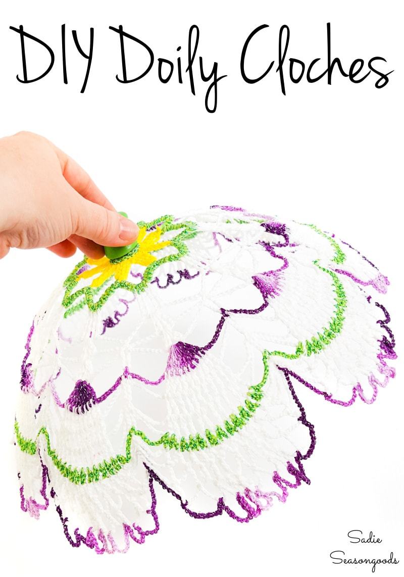 Plate cloche by upcycling a vintage doily