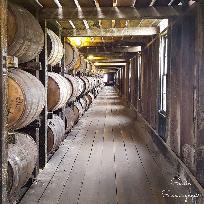 antiquing and bourbon tasting in kentucky