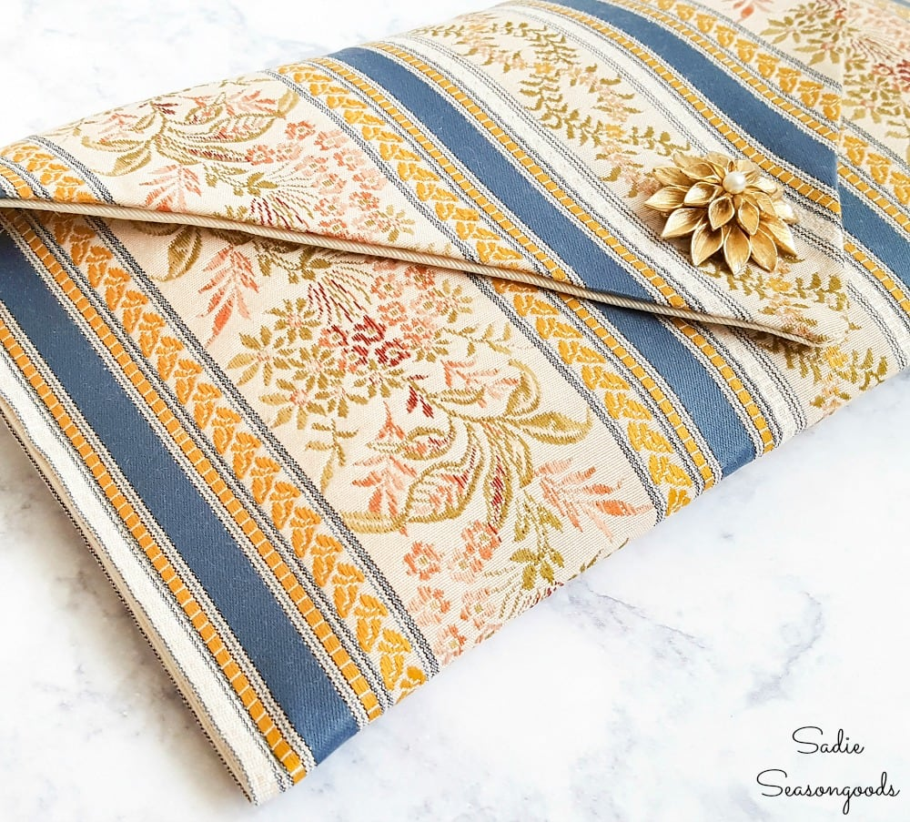 How to sew a DIY clutch or purse from a table runner