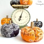 How to Make a Fabric Pumpkin / Bandana Pumpkin