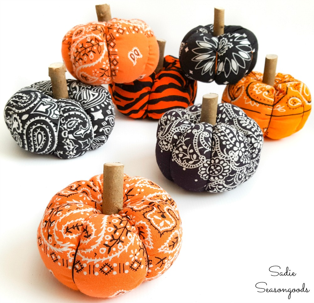 Bandana pumpkins for DIY Halloween decor