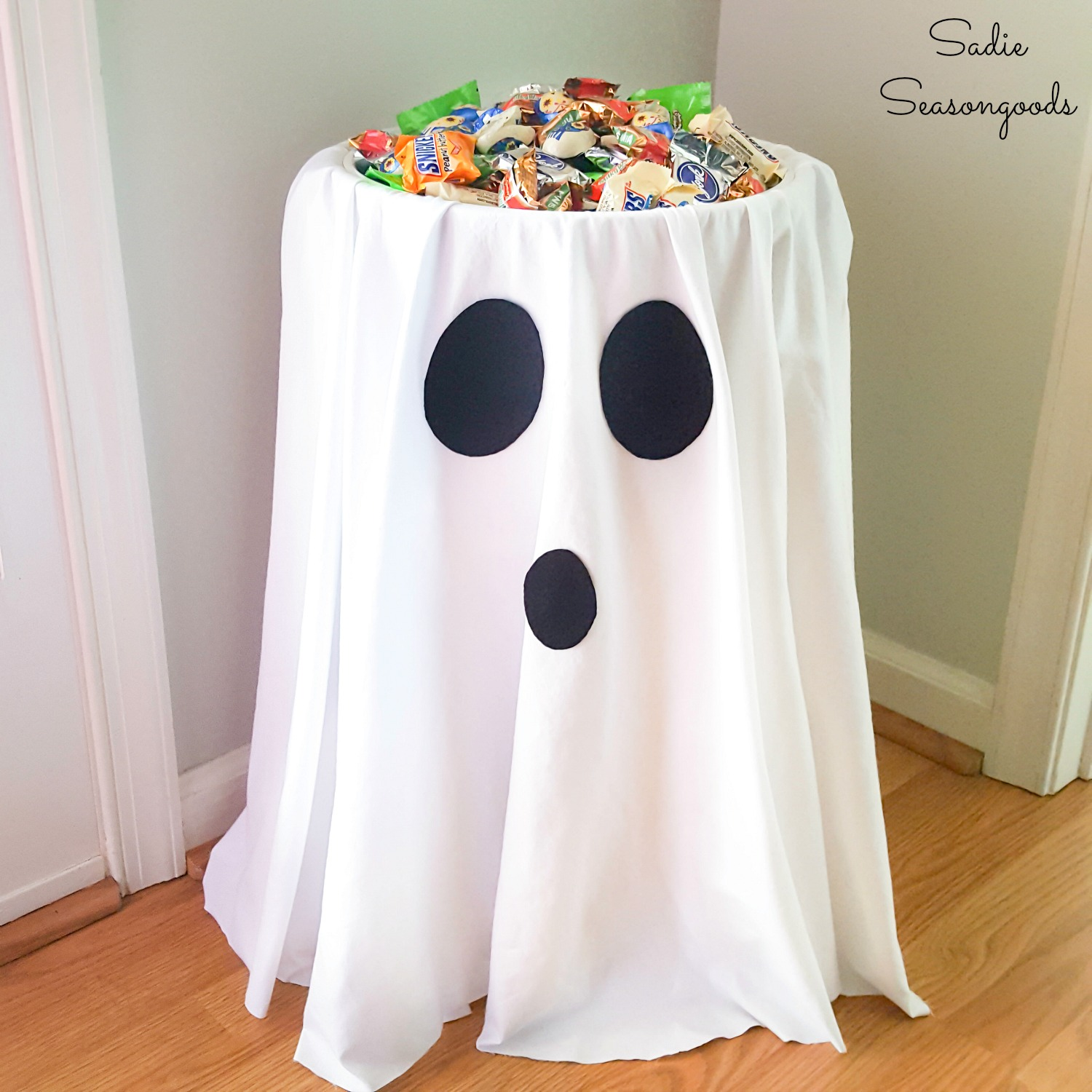 Halloween trick or treat ideas with a candy bowl holder
