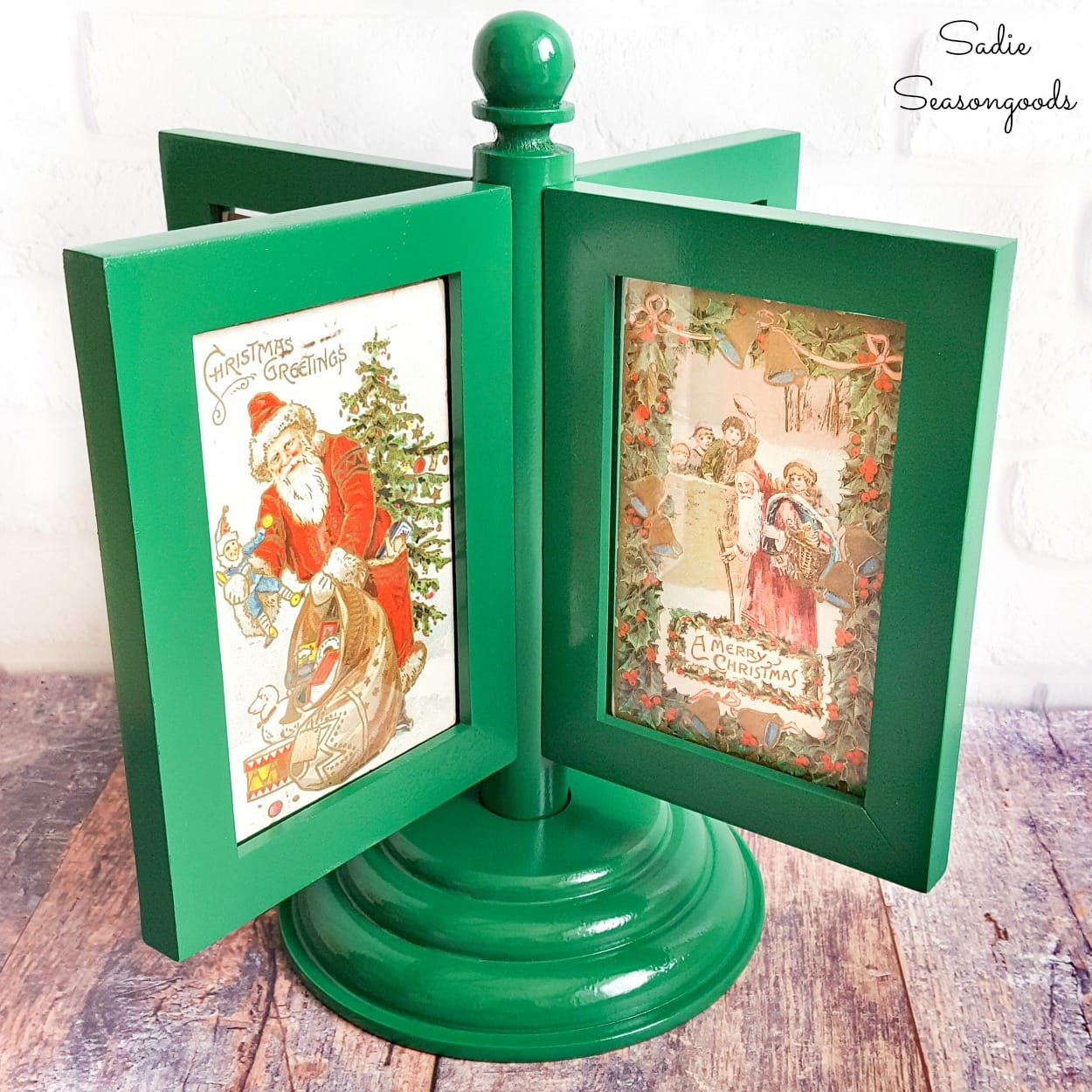Displaying Vintage Christmas Postcards in a Rotating Photo Frame