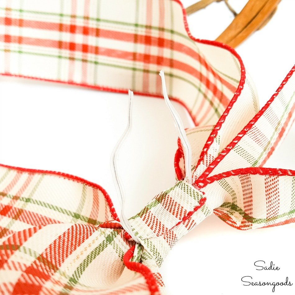 Making a ribbon bow for a rustic Christmas wreath