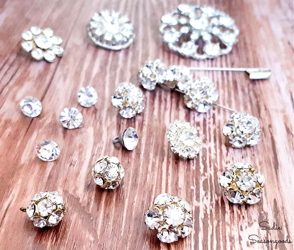 craft ideas for vintage buttons