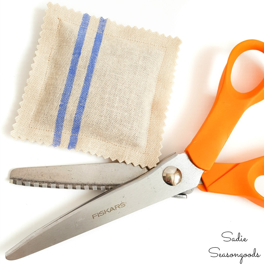Pinking shears on the edges of DIY lavender sachets