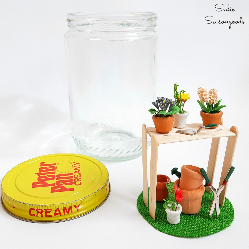 Dollhouse accessories for a garden as decorating ideas for Spring in vintage jars