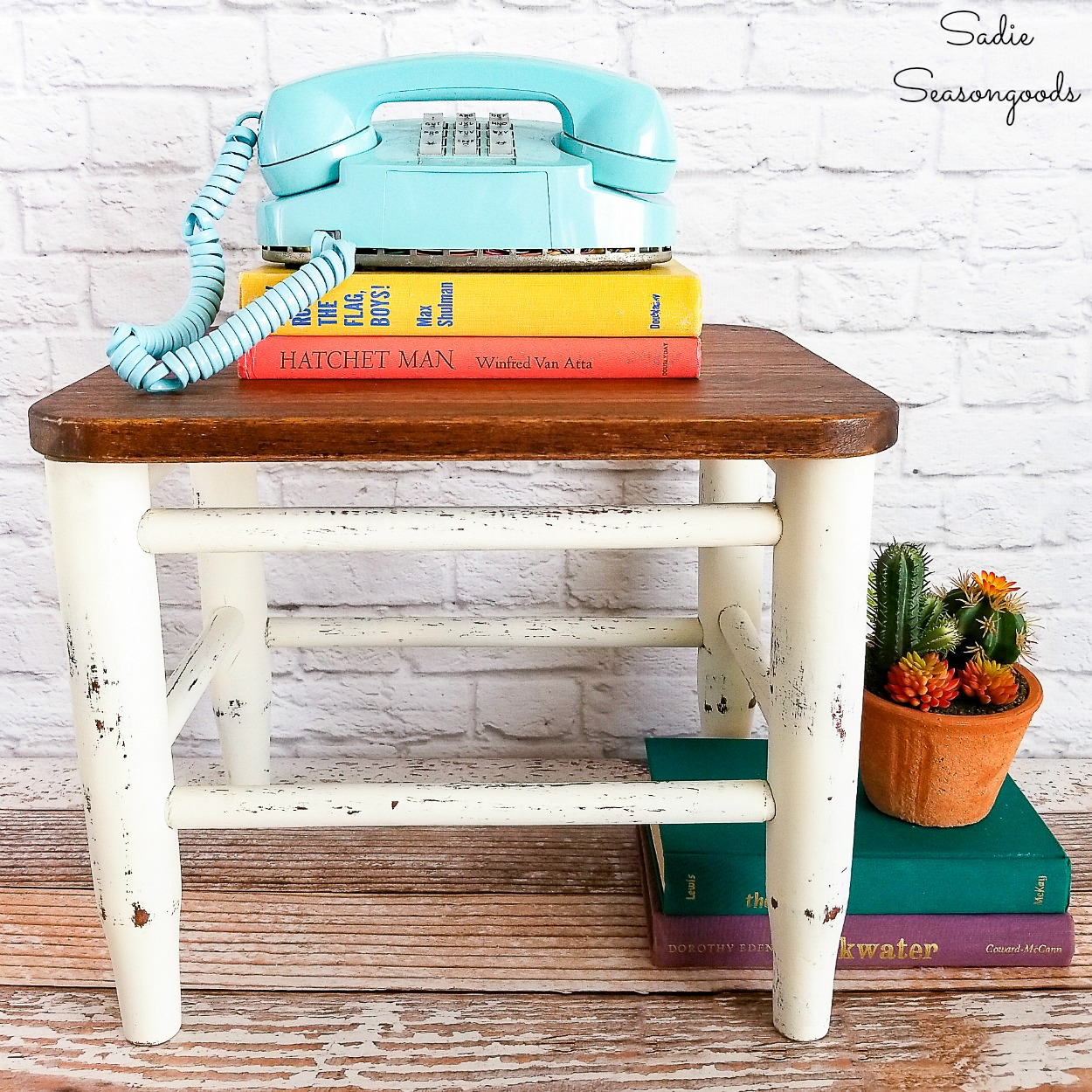 Restoring a small footstool with a rush seat by upcycling a wooden cutting board