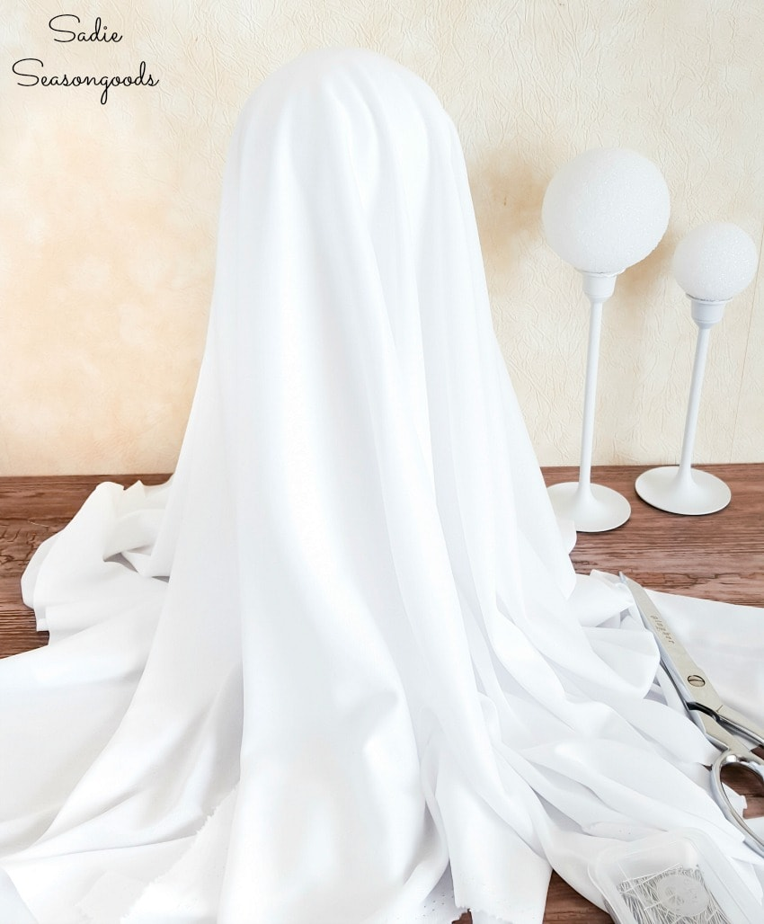 Measuring the fabric for a floating ghost