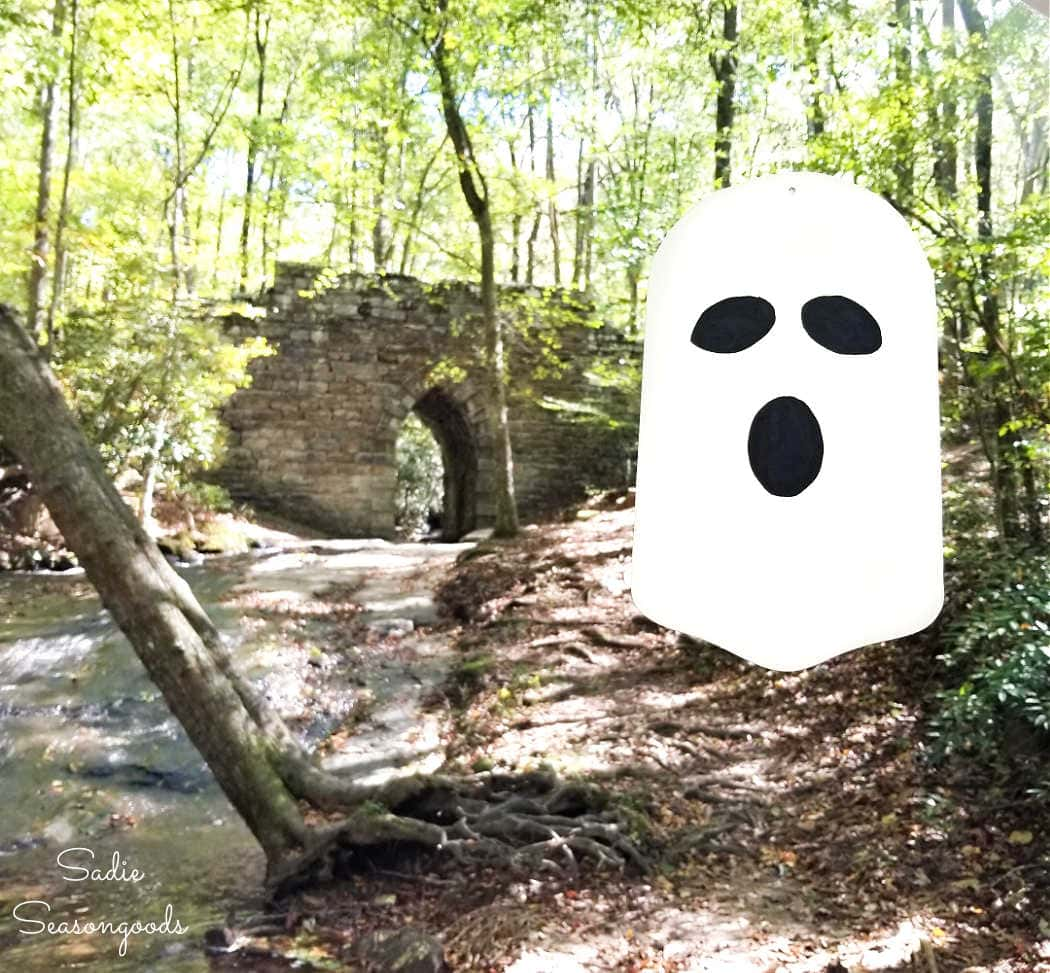 outdoor ghost decorations