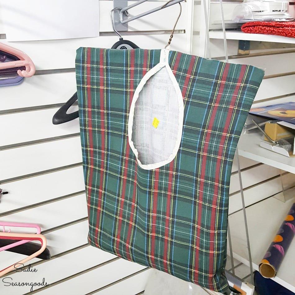 Clothespin bag or vintage peg bag