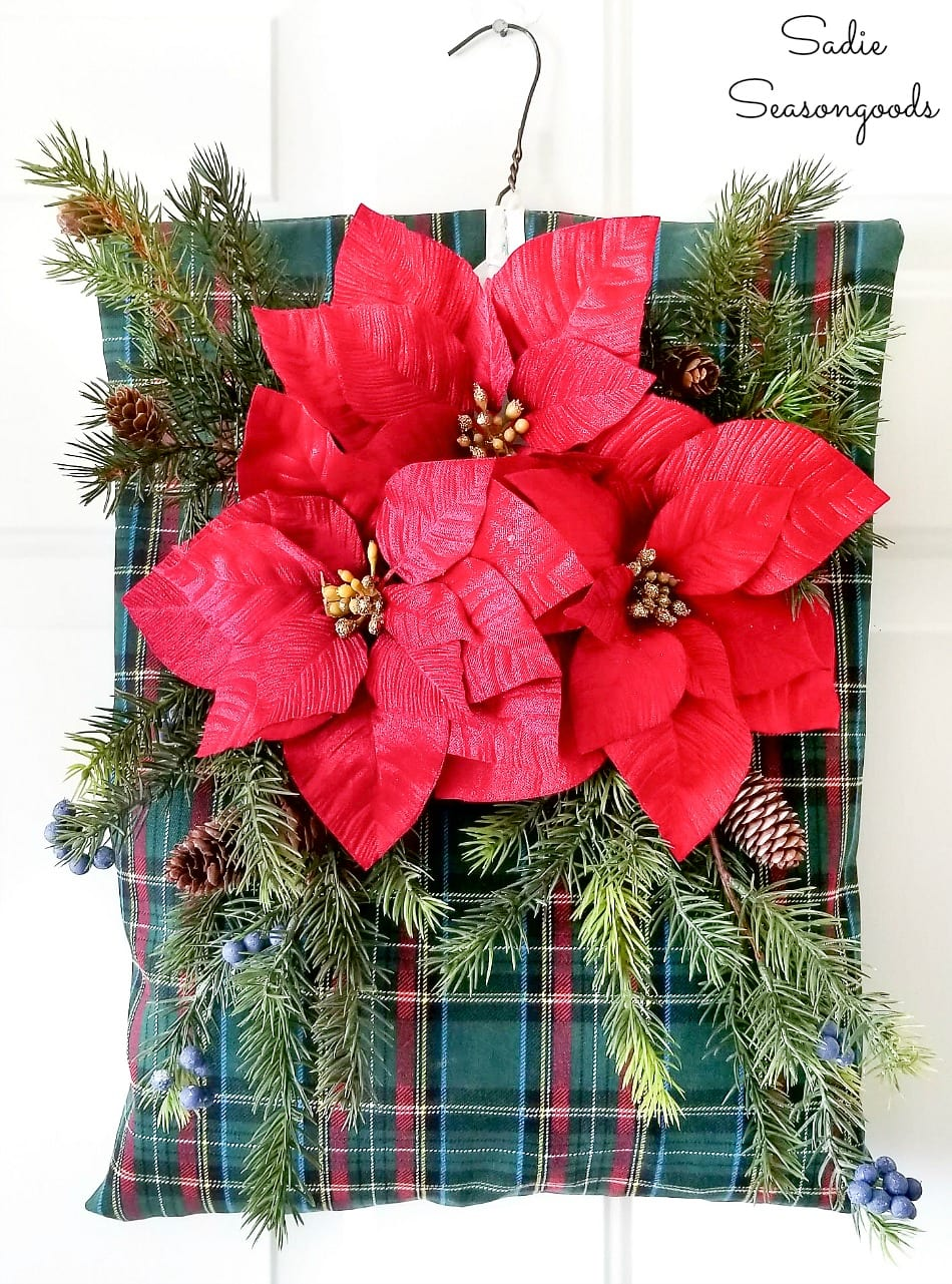Making a plaid Christmas wreath by upcycling a peg bag