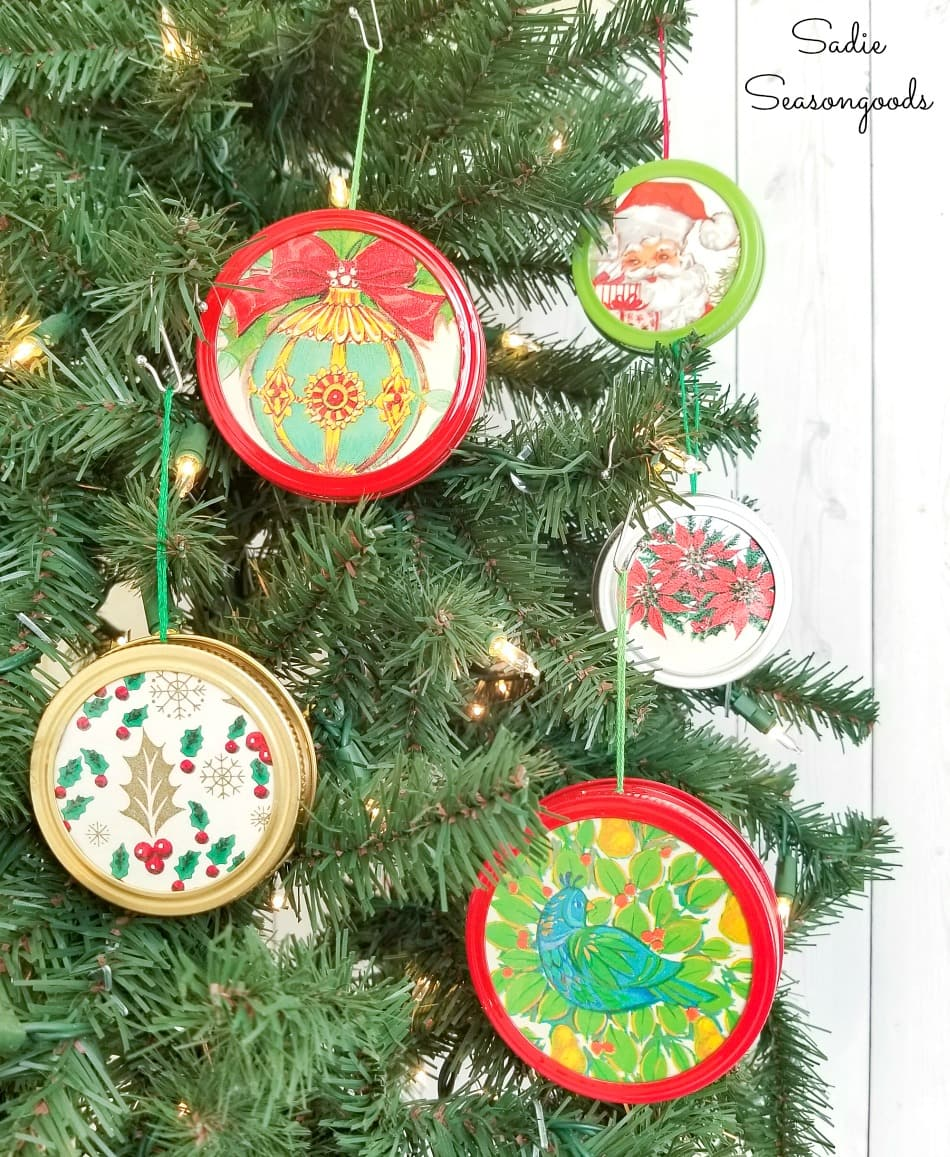 Mason jar lid ornaments as a mason jar lid craft
