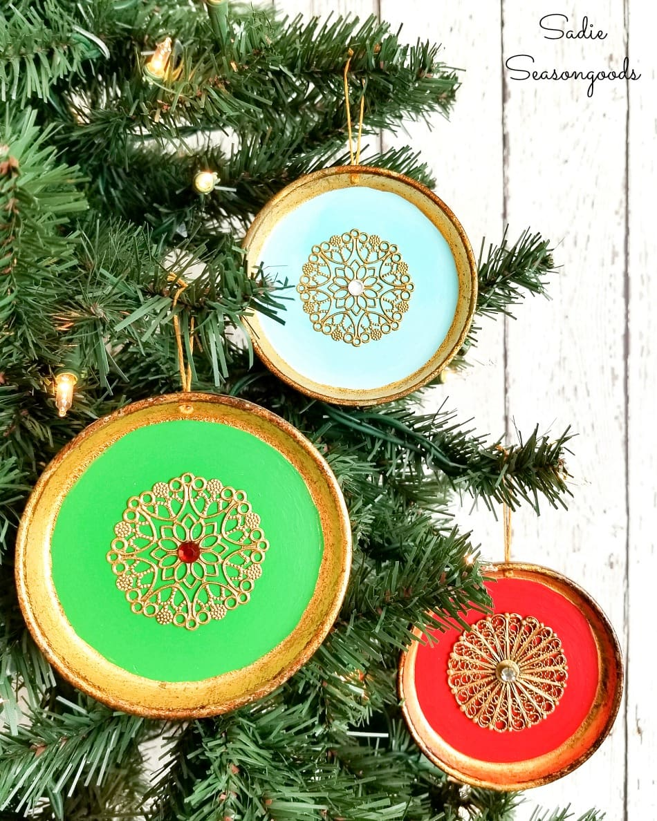 Exotic ornaments from Florentine coasters