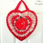 5 Minute Craft: Heart Shaped Chocolate Box Valentine's Wreath