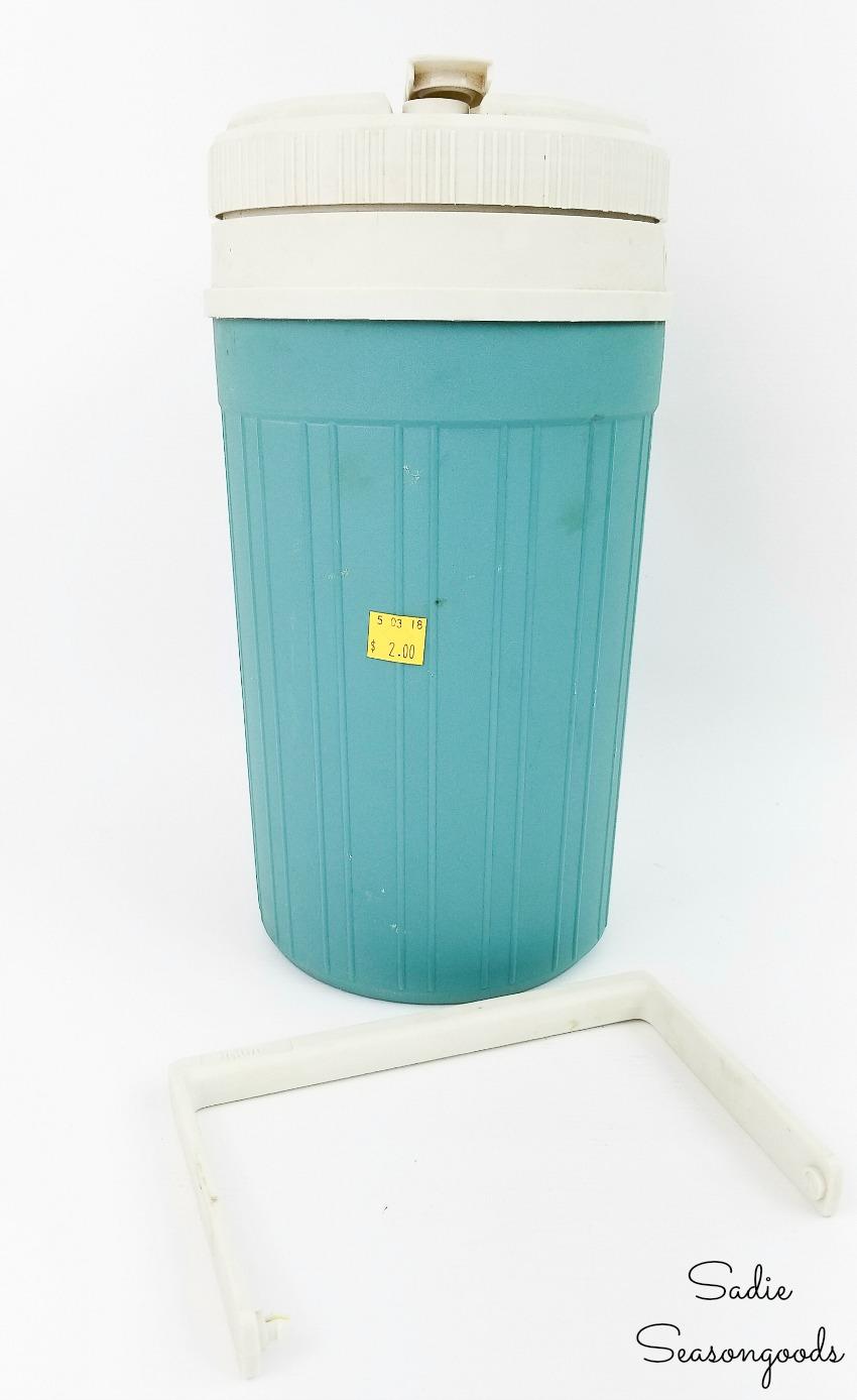 Repurposing an Igloo beverage cooler as a wine chiller bucket