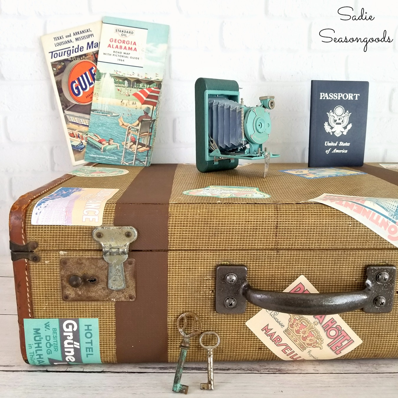 How to Fix Up a Vintage Suitcase or Antique Suitcase for Vintage Home Decor