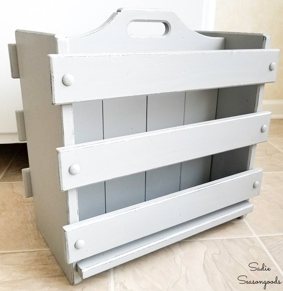 Kitchen caddy as a baking sheet organizer