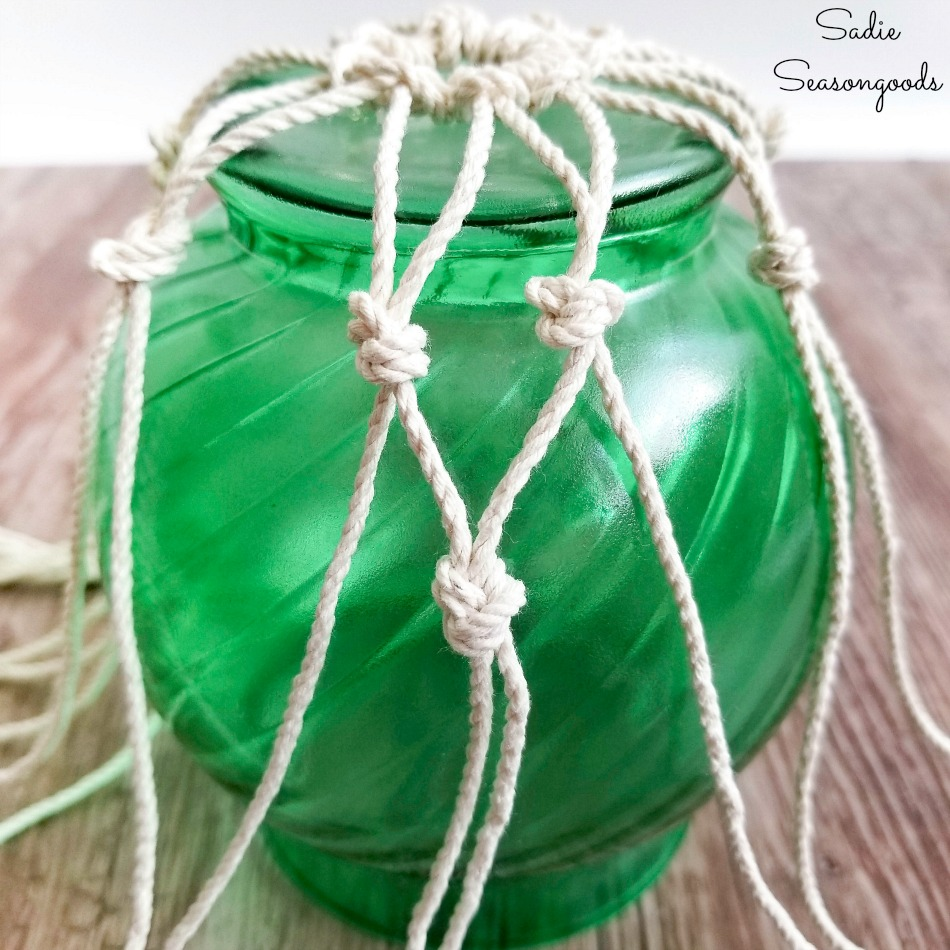 Tying knots for fishing net on Japanese fishing floats