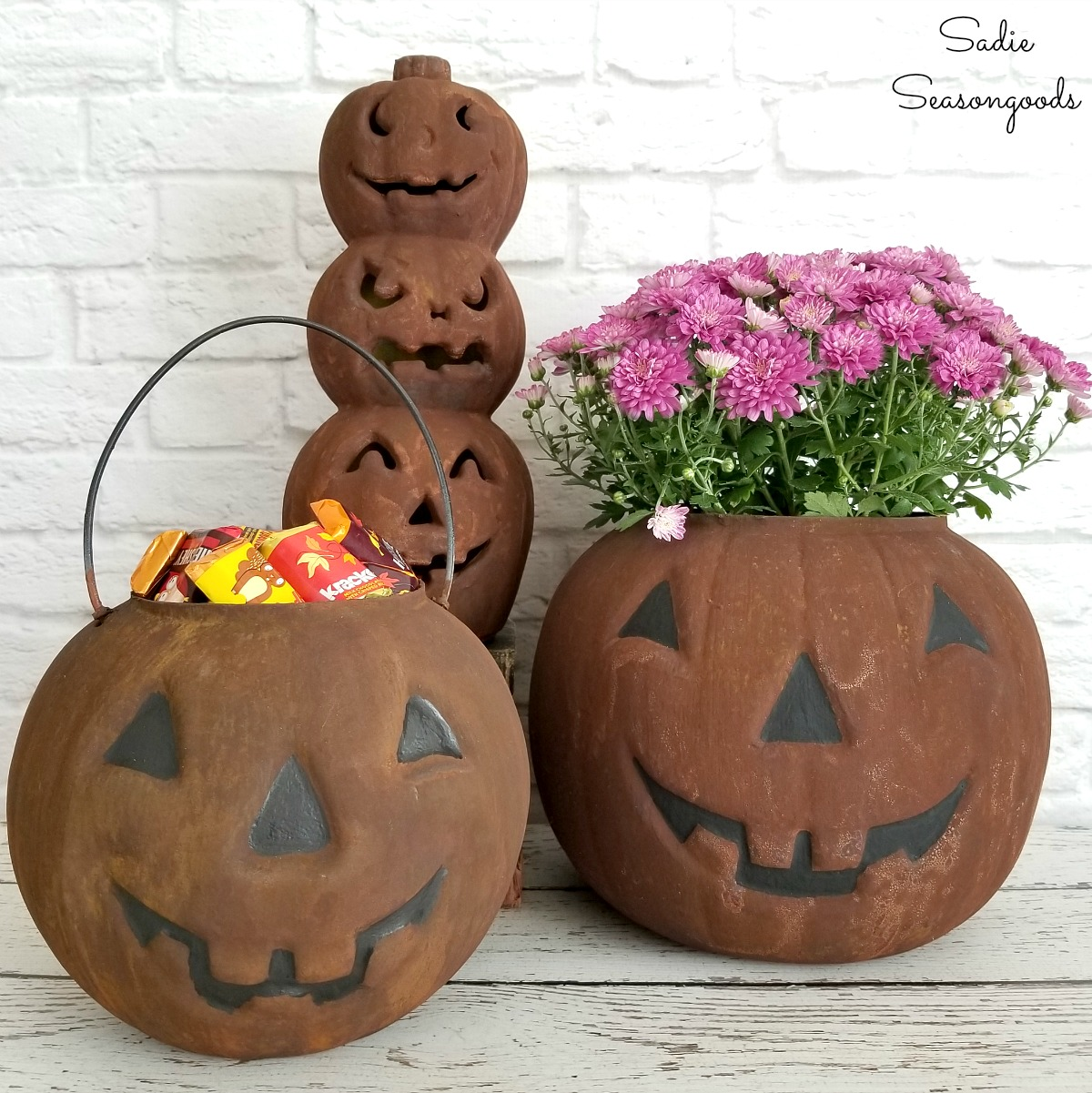 Primitive Halloween Decor with Rust Effect Paint on Plastic Pumpkins