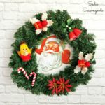 Kitschy Retro Christmas Wreath with an Upcycled Food Tray